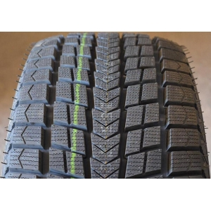 Roadstone Winguard Ice Plus 235/40 R18 95T