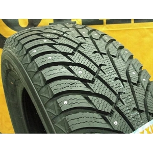 Maxxis NP5 Premitra Ice Nord 215/60 R16 99T